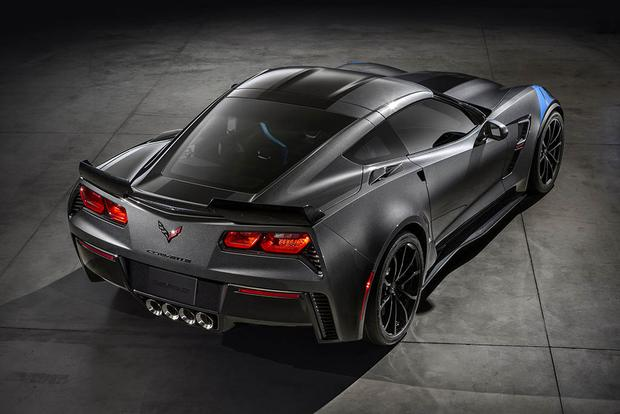 02-2017-chevrolet-corvette-grand-sport-sports-car