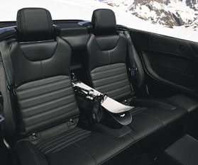 4Evoque_convertible_rear_seating