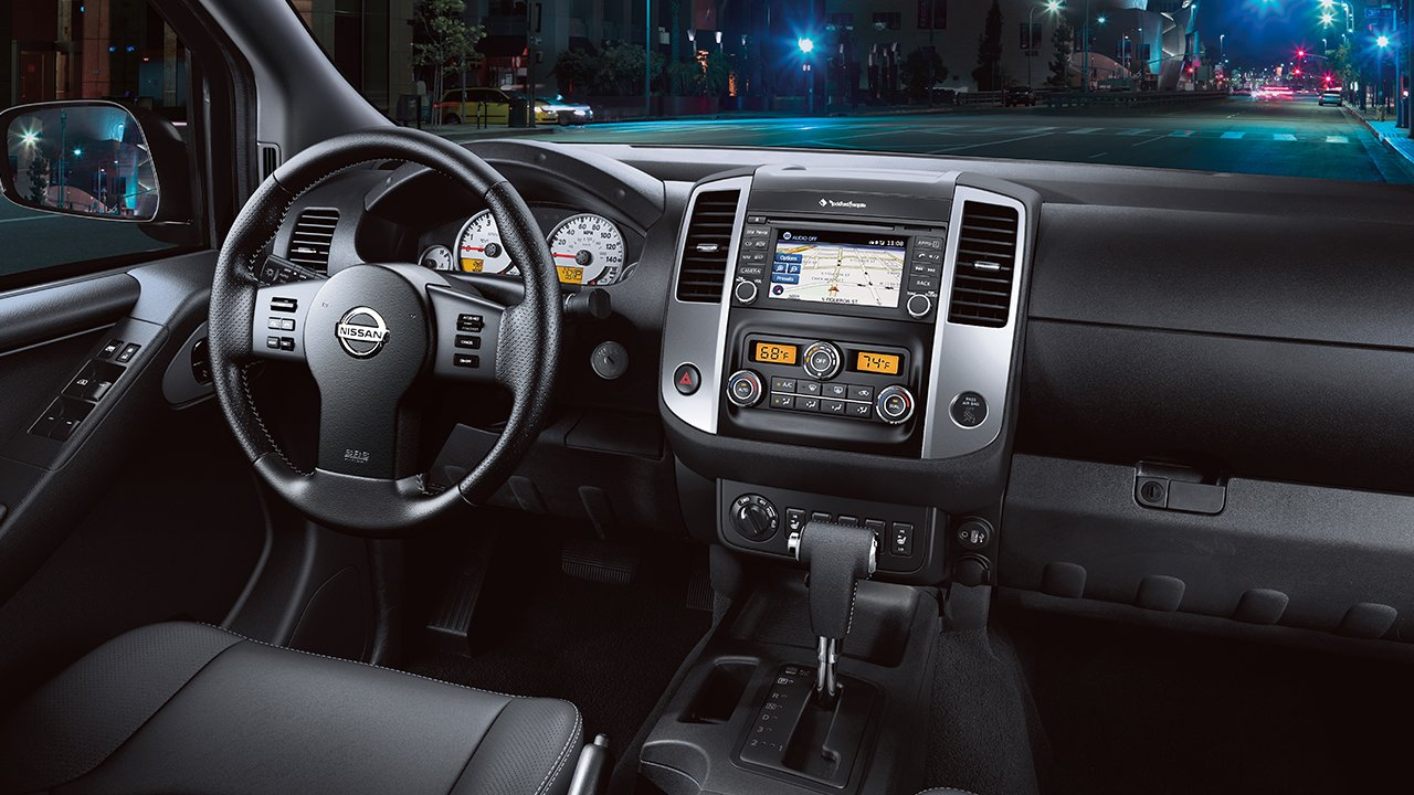 2017-nissan-frontier-interior-console-large