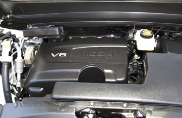 2017 Nissan Pathfinder's 3.5-liter V6 engine with Direct Injecti