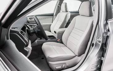 Camry_front_seats