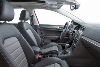 Golf_alltrack_front_seating